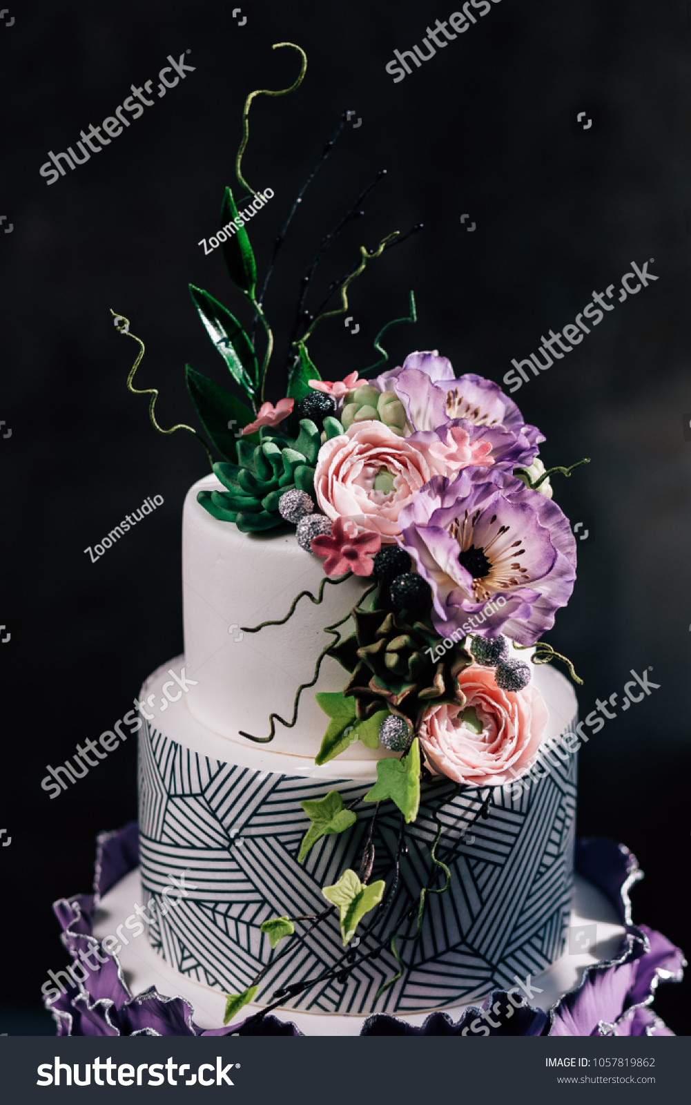 Purple Happy Birthday Cake With Beautiful Flowers Dozen Of Violet Cakes Gold And Fruits