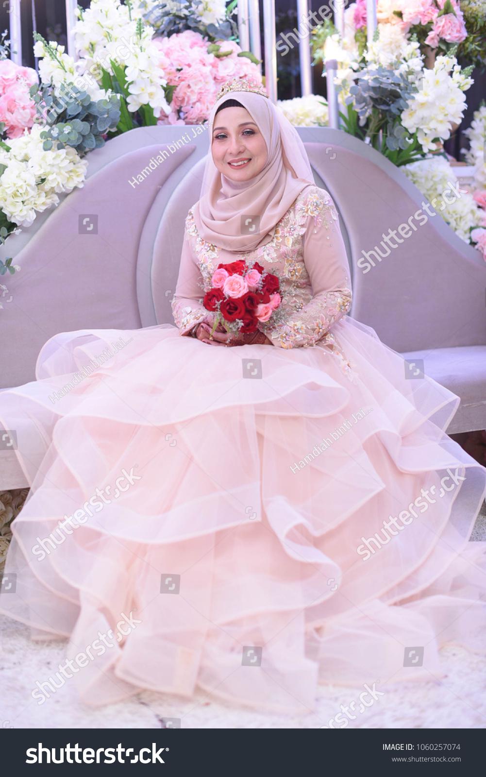 93f3f921cd46 Pink Colour Wedding Dresses