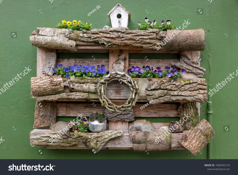 Blumen Dekoration Europalette Stock Photo Edit Now 1060442153