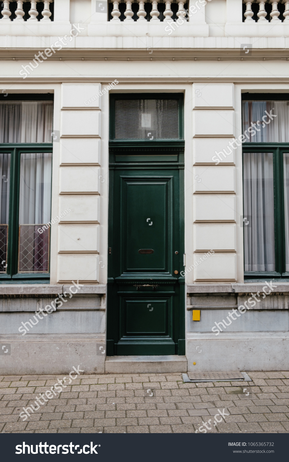 Green Wood Doors Historical Building Antwerpen Stock Photo Royalty