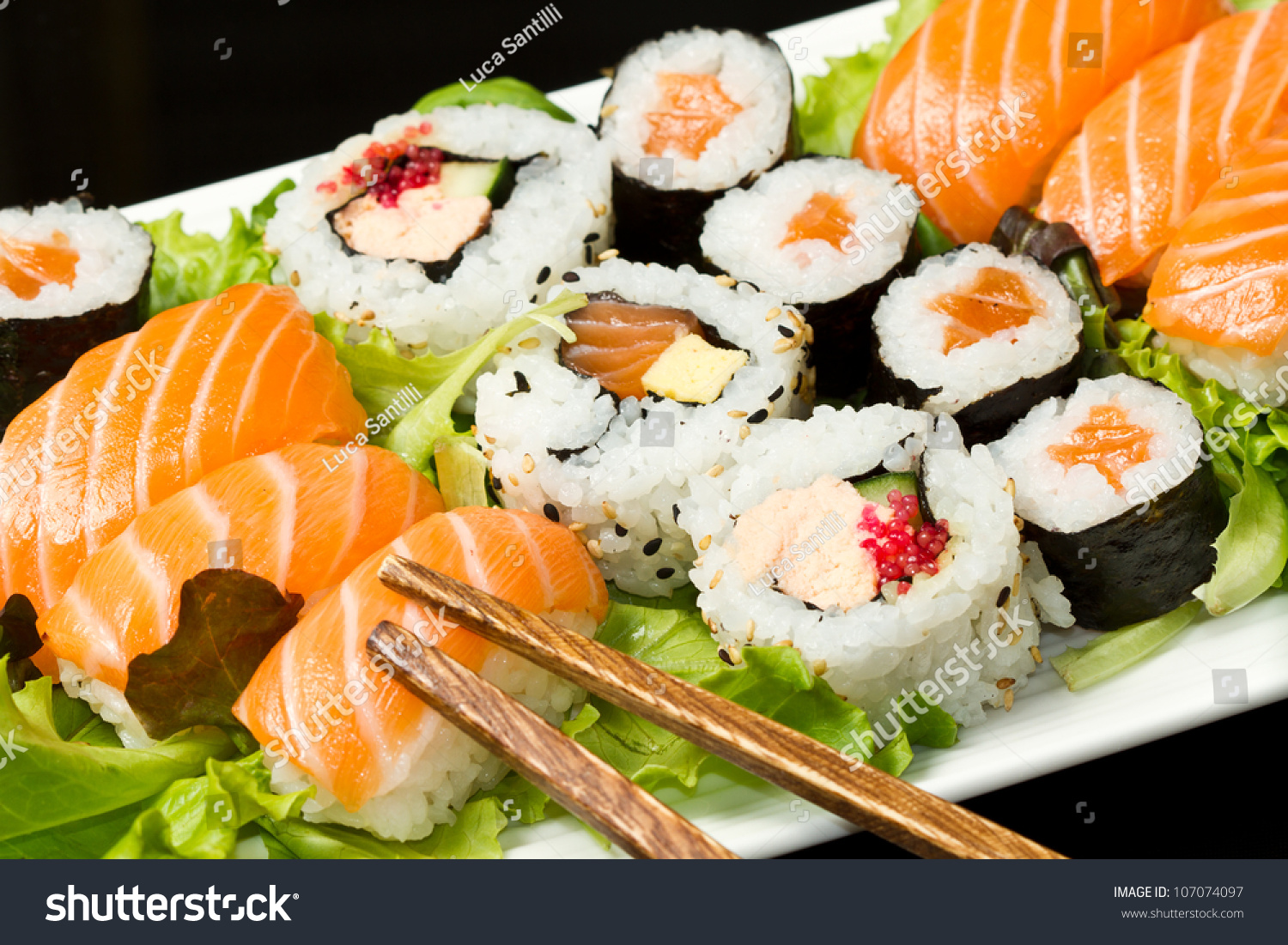 Fresh sushi traditional japanese food foto stock 107074097 for Ancient japanese cuisine