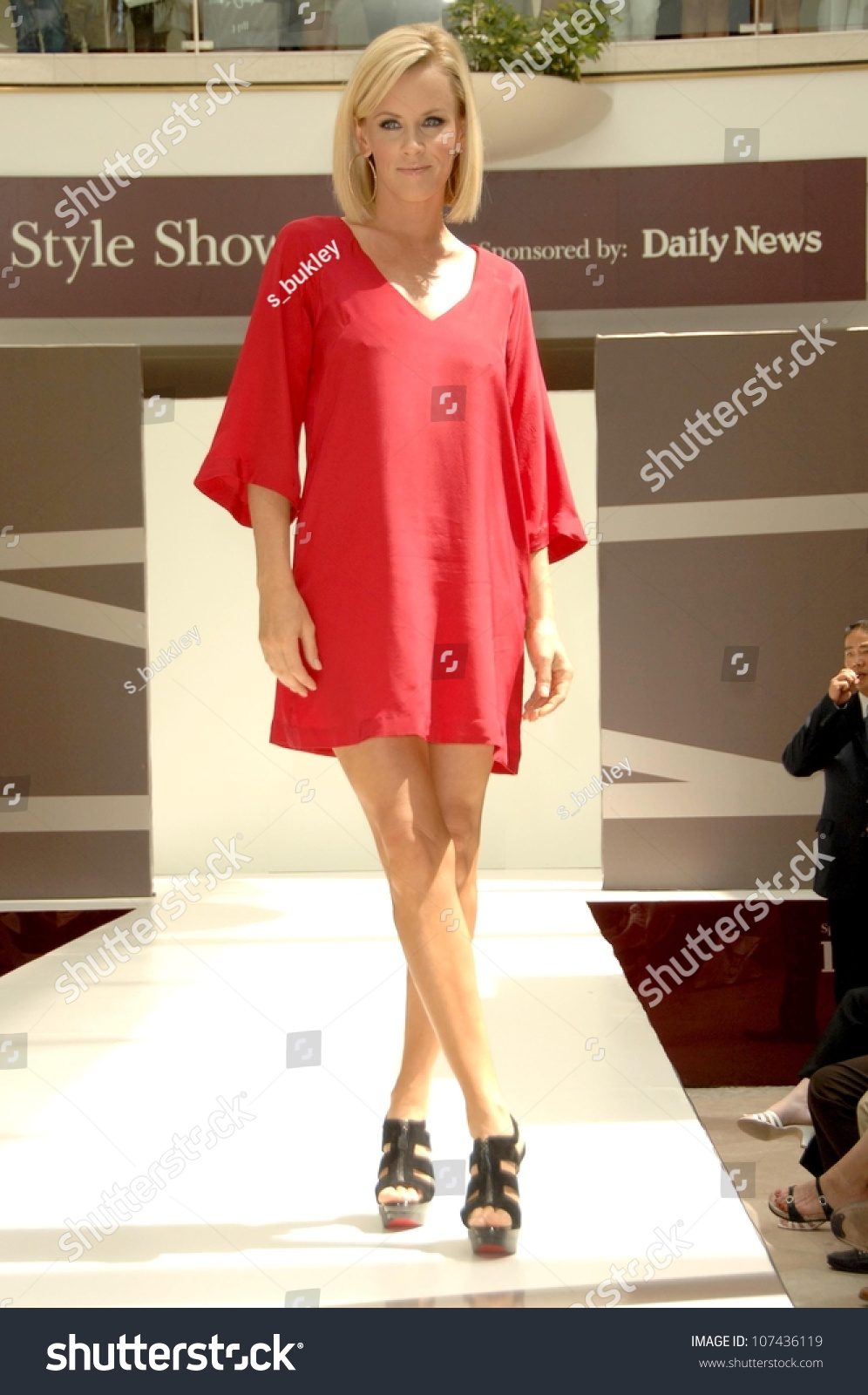 Jenny Mccarthy Style Showcase Fashion Show Stock Photo