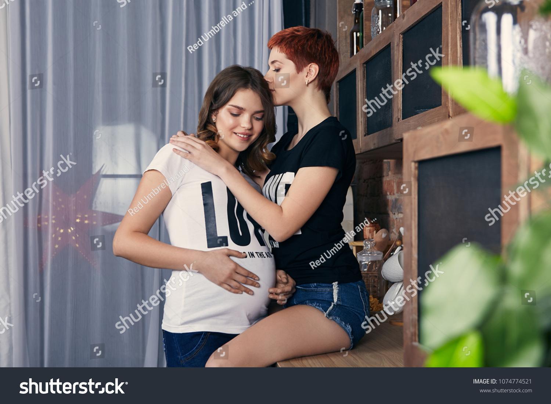 Lesbianis dating masturbatian images