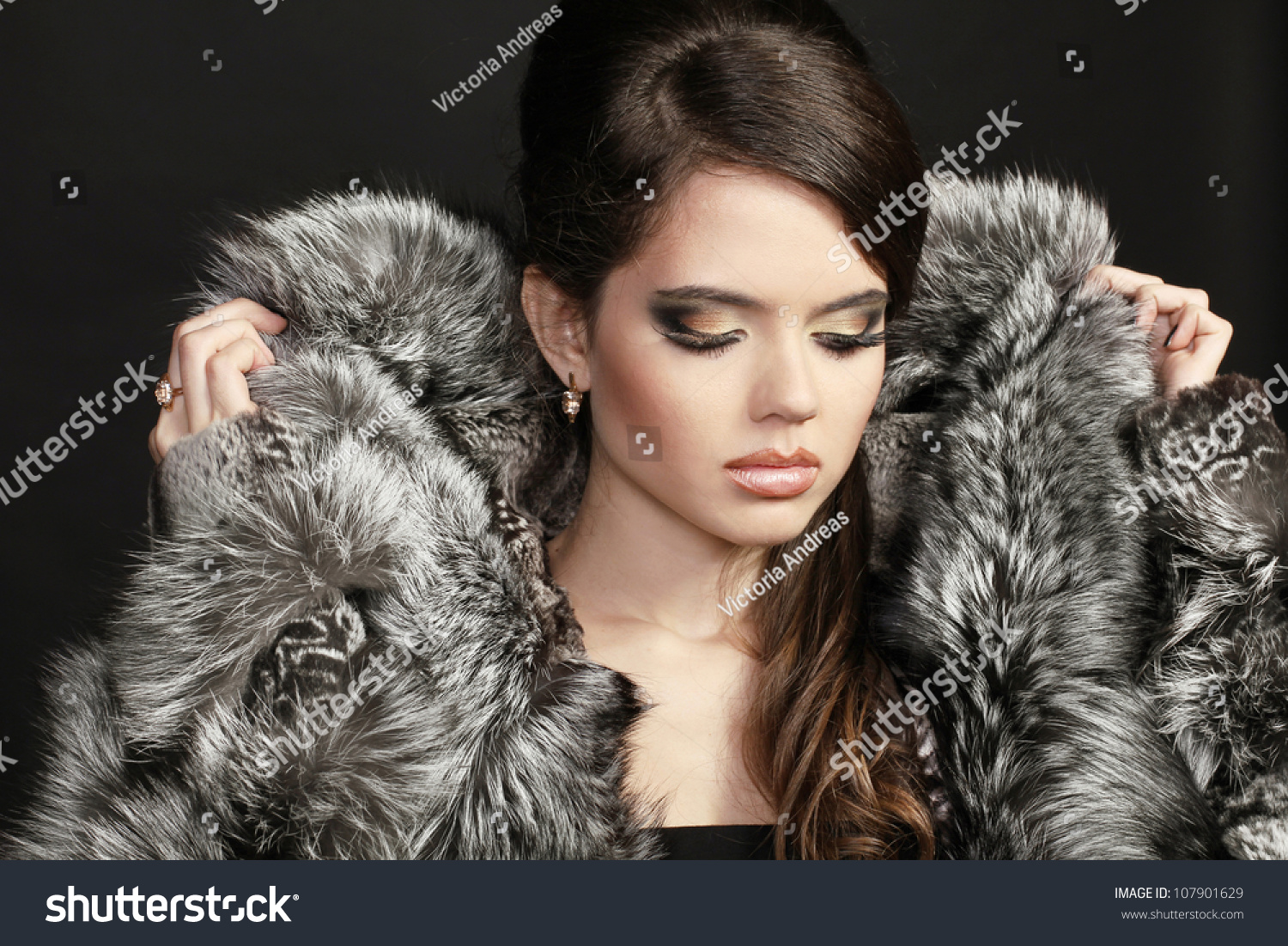 Fashion Woman Fur Coat Lady Portrait Stock Photo 107901629