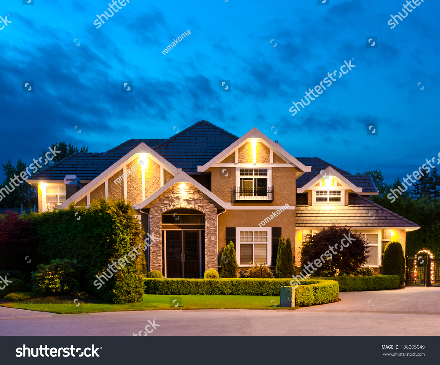 Big luxury house at dusk night in suburbs of vancouver for Dream homes canada