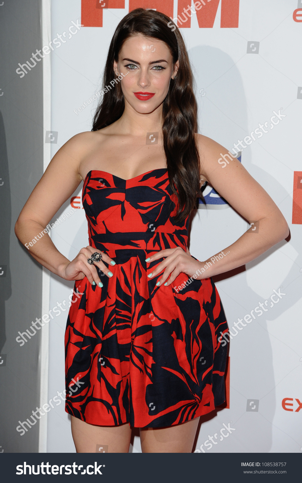 lowndes asian personals Jon lovitz and jessica lowndes, my mortal enemies, were interviewed by entertainment weekly on tuesday about the prank heard 'round the world (or, at least 'round the country): that they were dating and engaged.