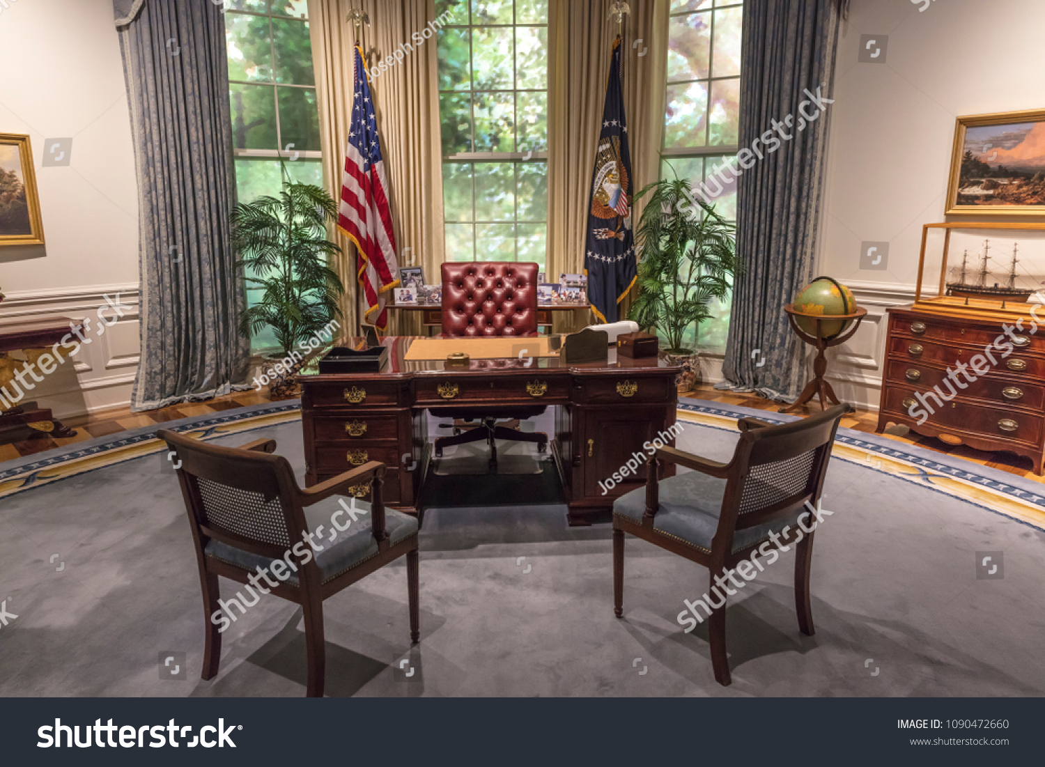 bush oval office. FEBRUARY 28, 2018 - COLLEGE STATION TEXAS George H.W. Bush Presidential Library And Museum Oval Office