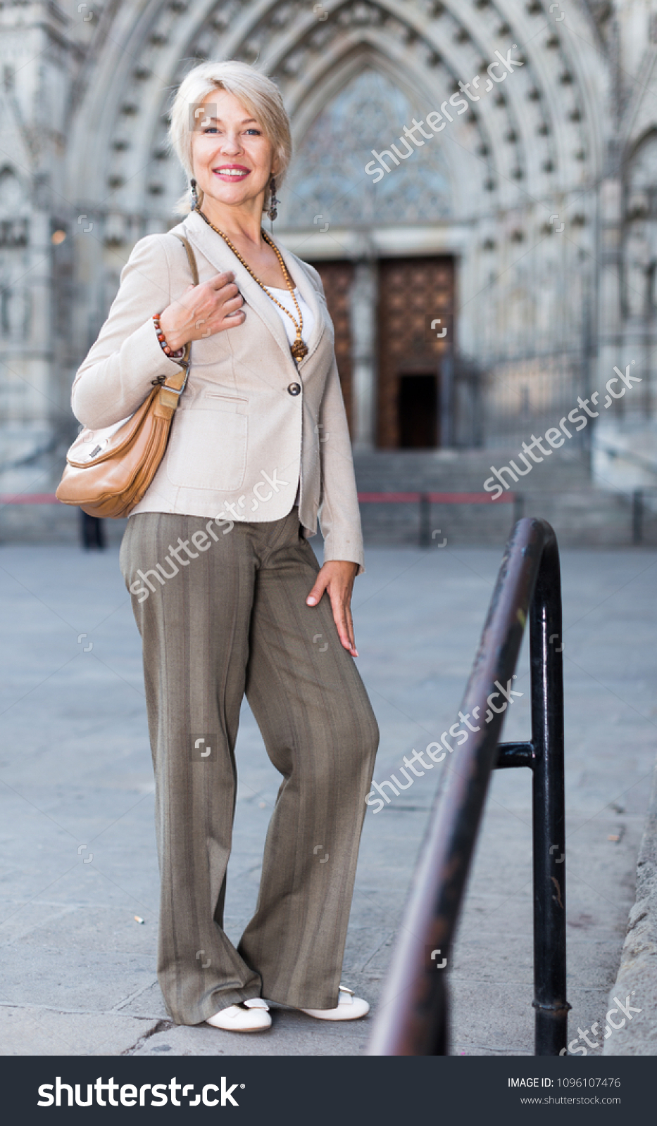 Mature escort barcelona