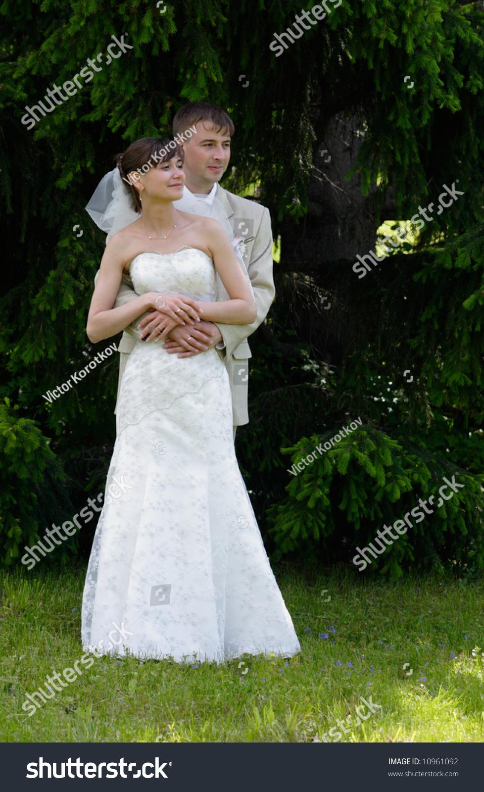 Bride And Groom Meet 29