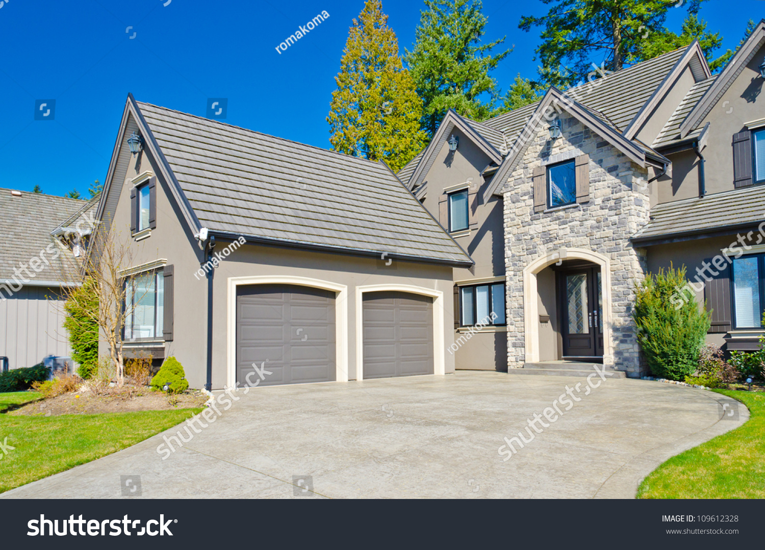 Luxury House Two Garage Doors Suburbs Stock Photo Royalty Free
