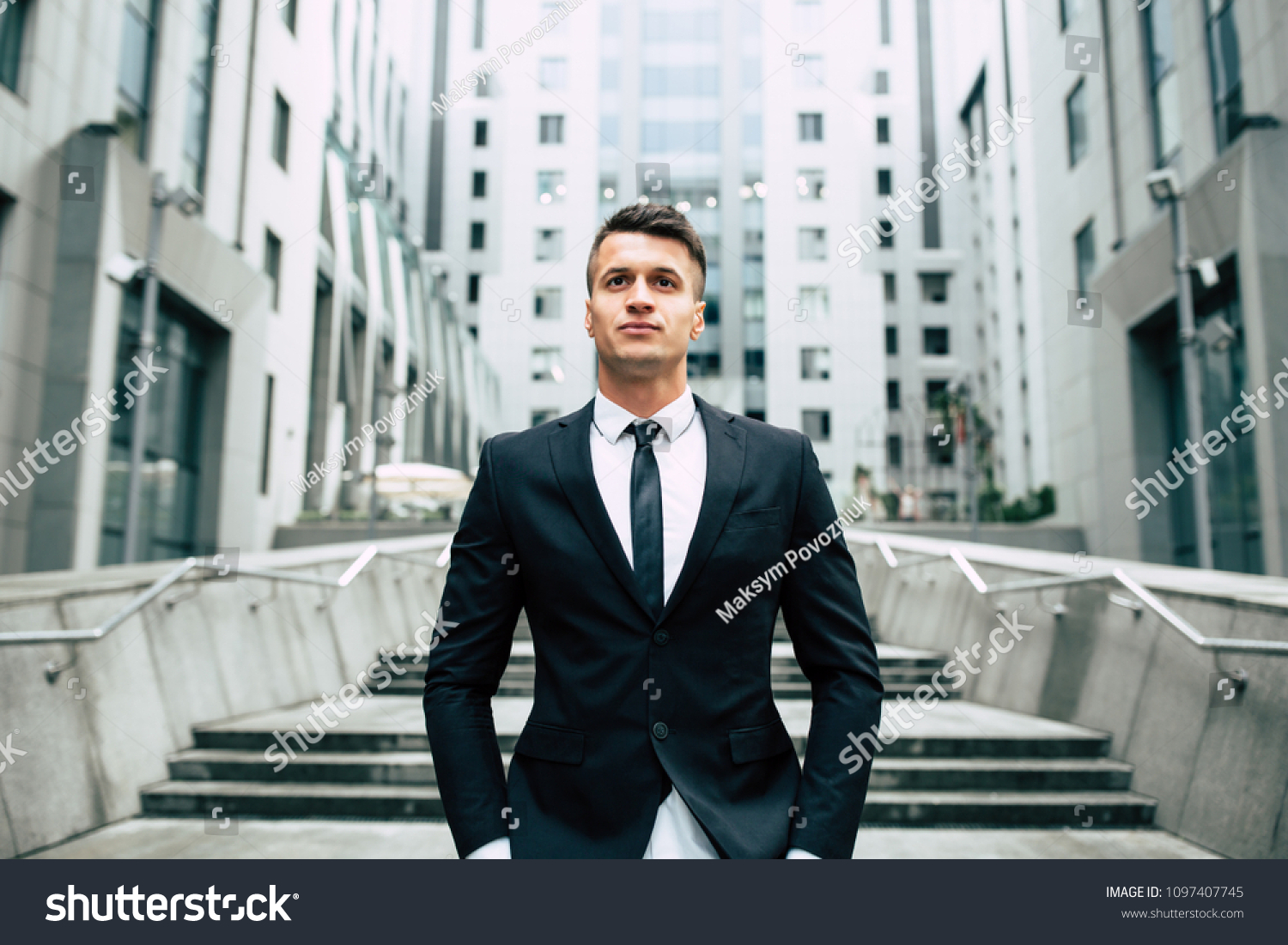 how to be a successful stockbroker