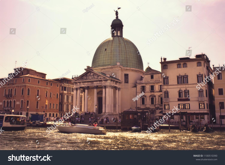 Venice Grant Nude Photos 32