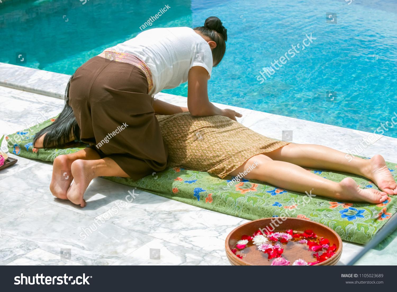 Massage Therapist Thai Massage Beautiful Customers Stock
