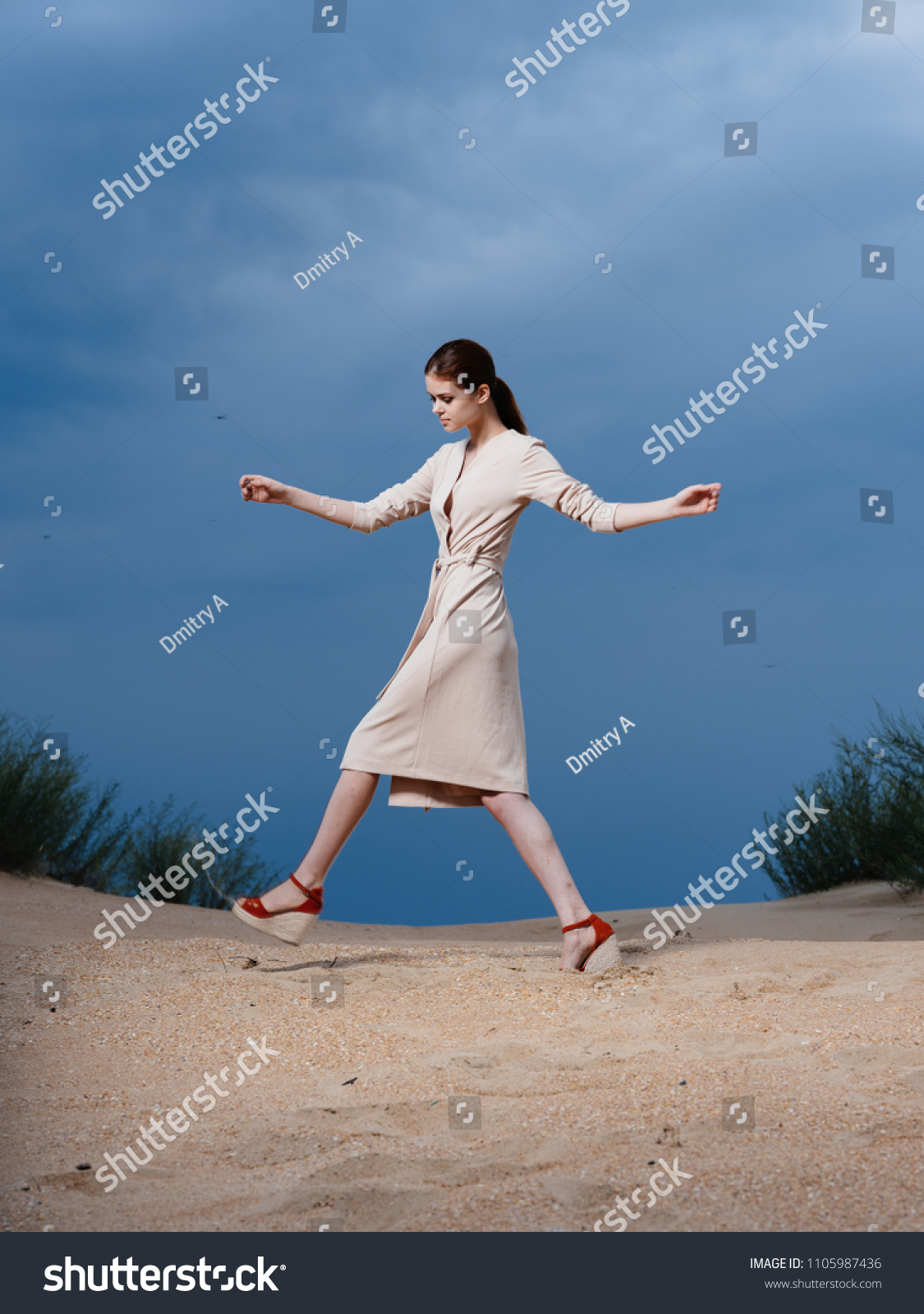 Her legs-pt2 spreads brunette Elegant