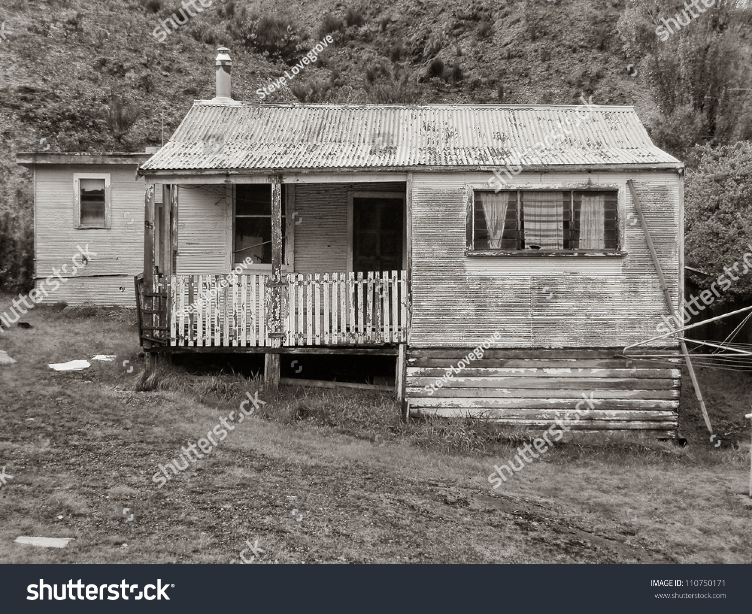Old run down weatherboard houses mining stock photo for 0 down homes