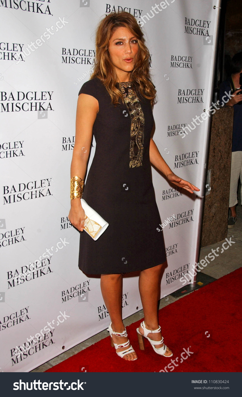 Are Jennifer esposito black dress