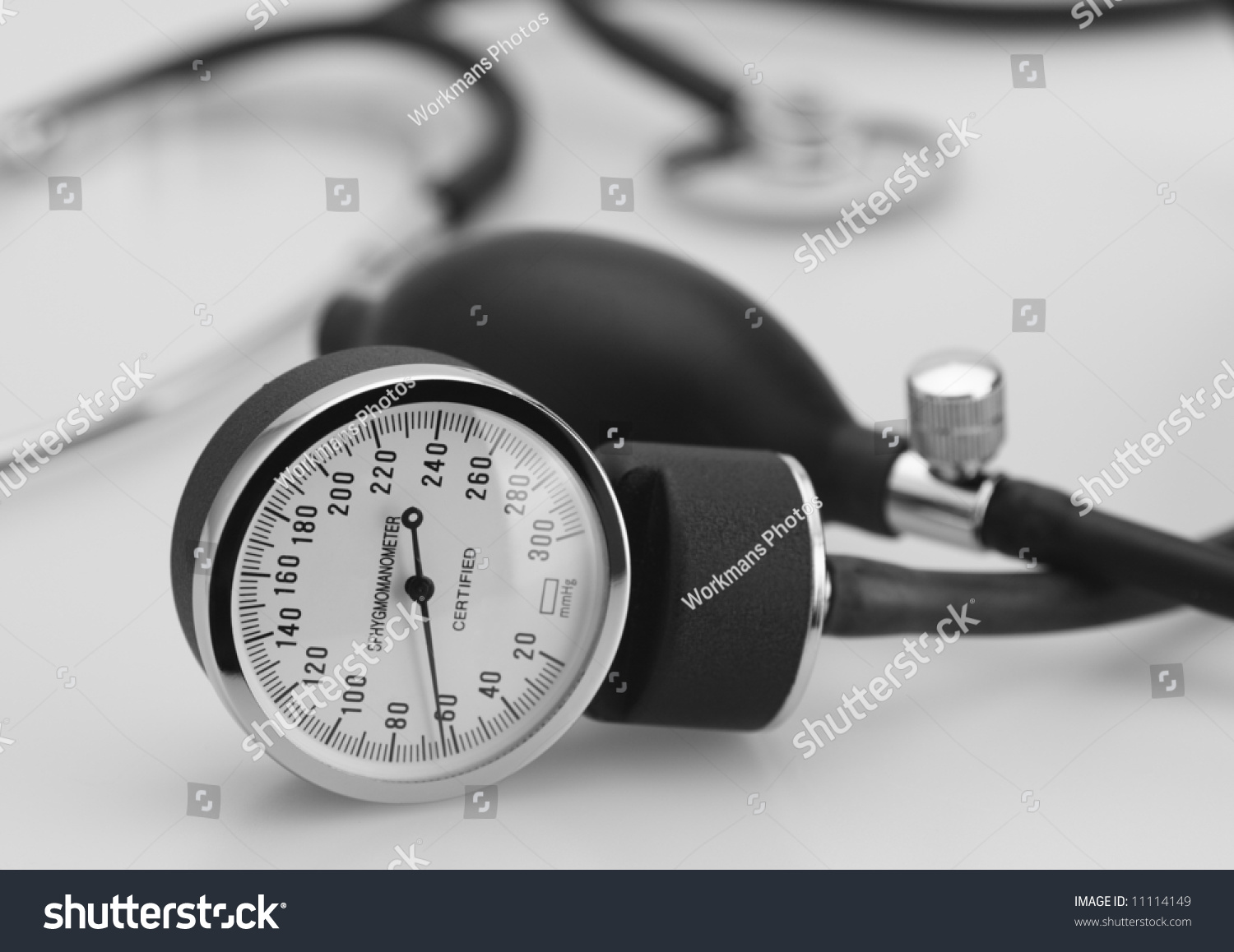 Pressure Measuring Instruments : Sphygmomanometer stethoscope medical tool pressure measure