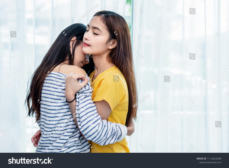 Seksikäs lesbo malleja seksiä