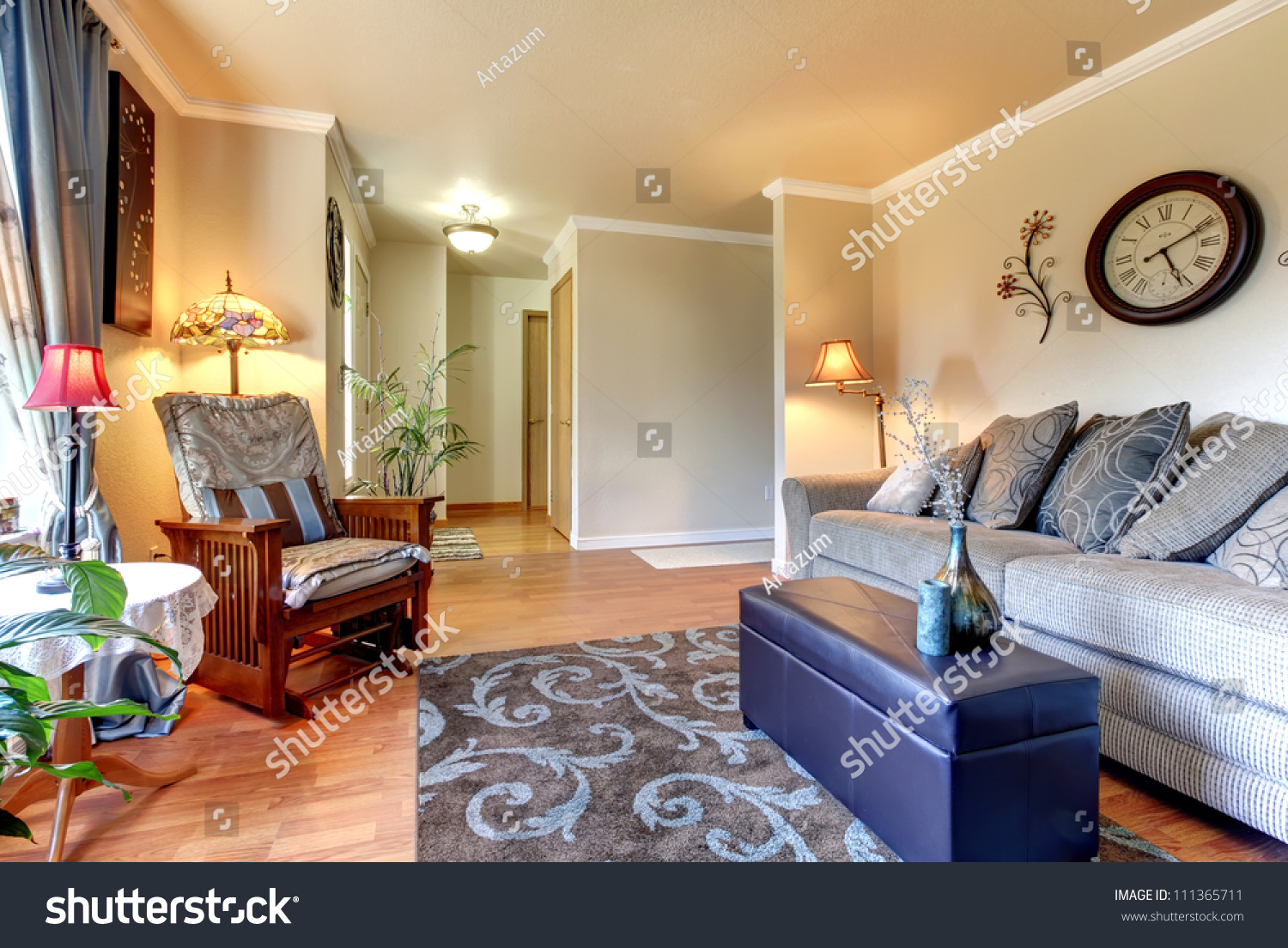 Elegant And Simple Classic Living Room Interior Design With Beige And Blue Stock Photo