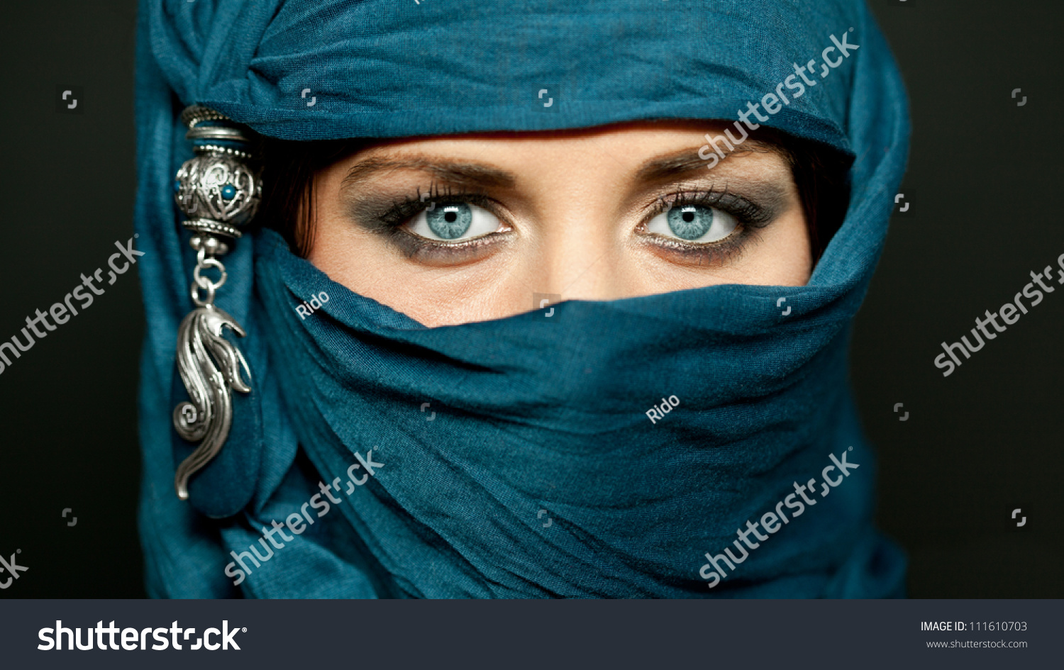 blue eye muslim I've been told that in the muslim culture or whatever that it' s a huge what's the history of blonde hair, blue eyed arabs.