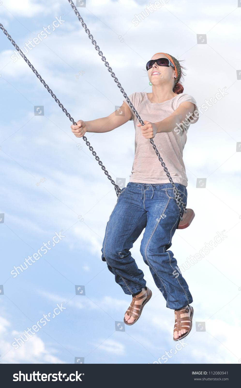 Swinging Women 99