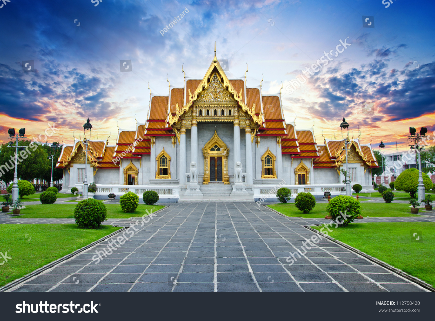 Traditional thai architecture wat benjamaborphit marble for Thailand architecture