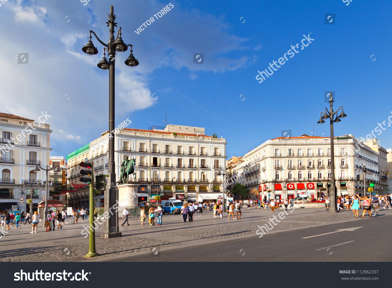 Madrid spain september 8 puerta del sol madrid one for Puerta del sol madrid spain