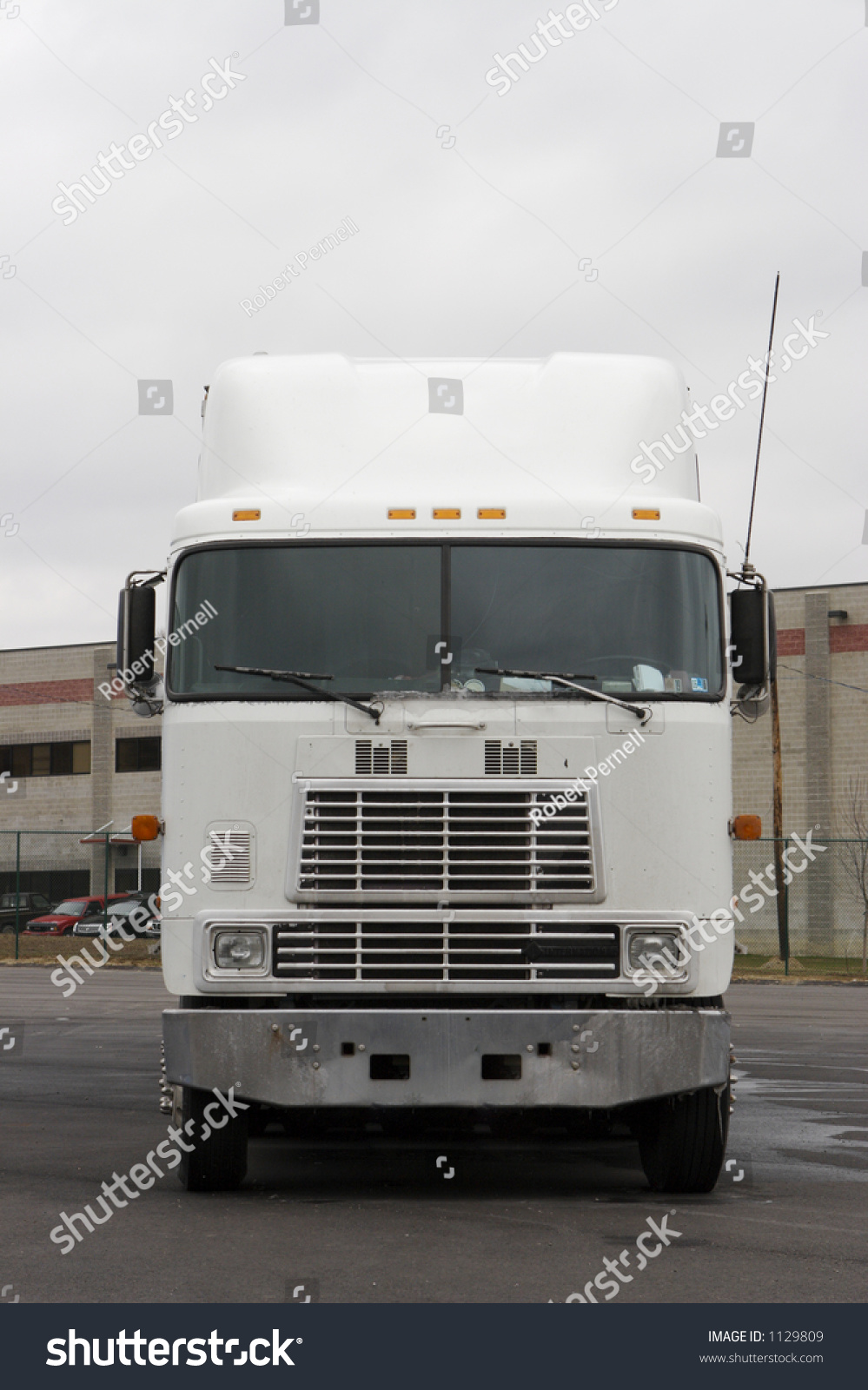 Tractor Trailer Stock : Front view of a semi tractor trailer truck stock photo