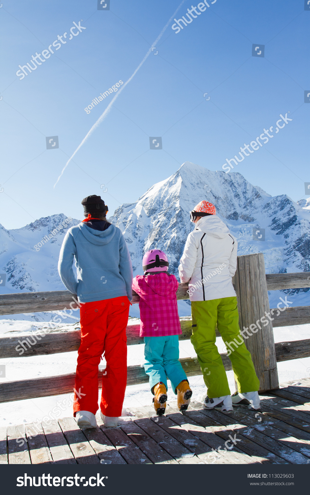 Winter snow sun and fun family enjoying winter for Best family winter vacations