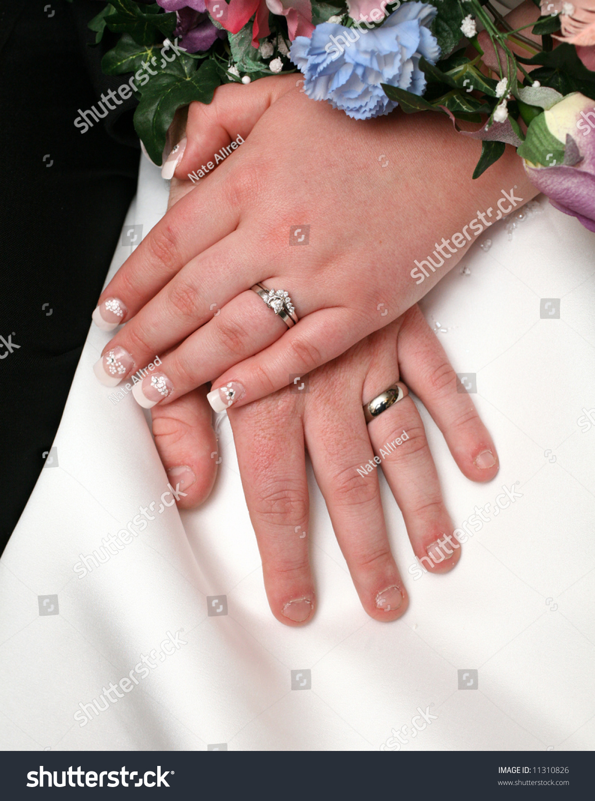 Bride Grooms Hands Rings Wedding Stock Photo 11310826 - Shutterstock