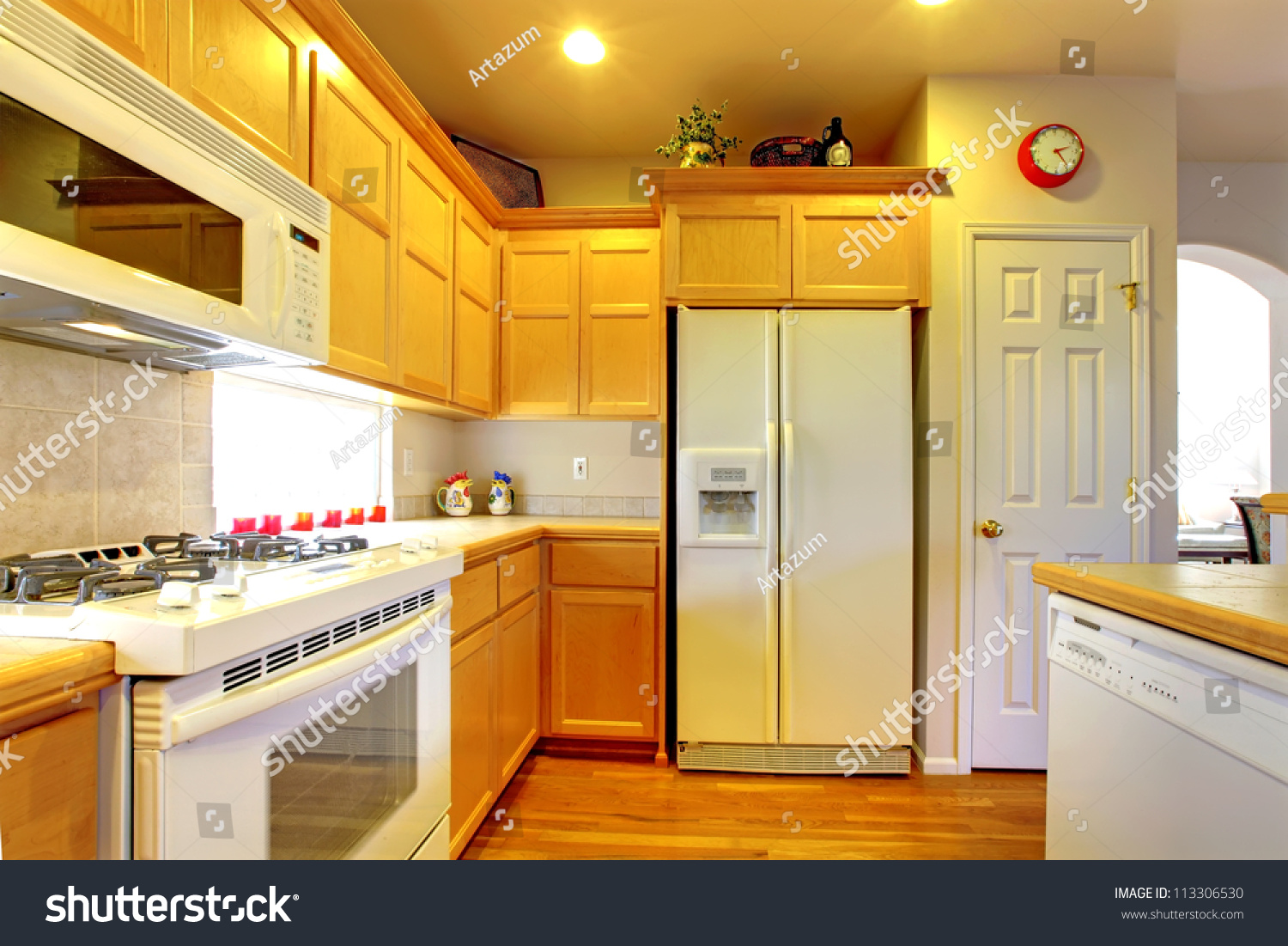 Yellow Kitchen White Cabinets Do White Kitchen Cabinets Yellow Over Time Quicuacom