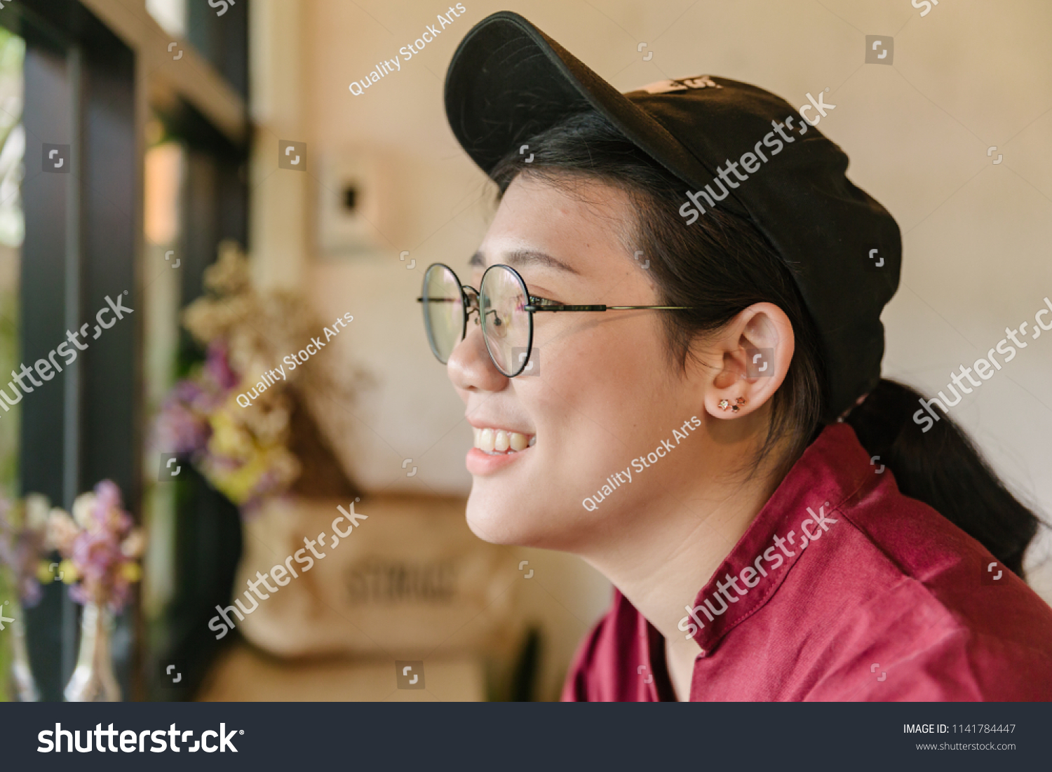 a27f764538d0 Cute Asian fat teen smile with glasses smiling and looking out of windows