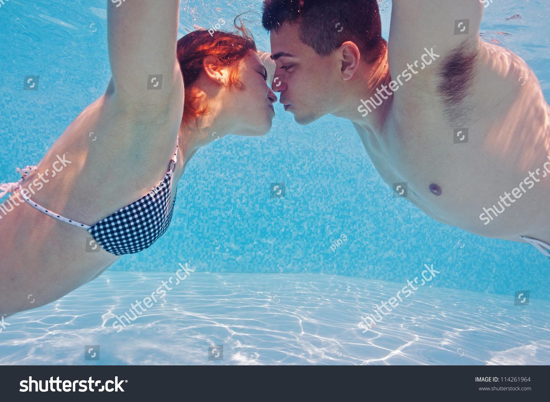 Underwater Couple Kissing Swimming Pool Stock Photo 114261964 Shutterstock