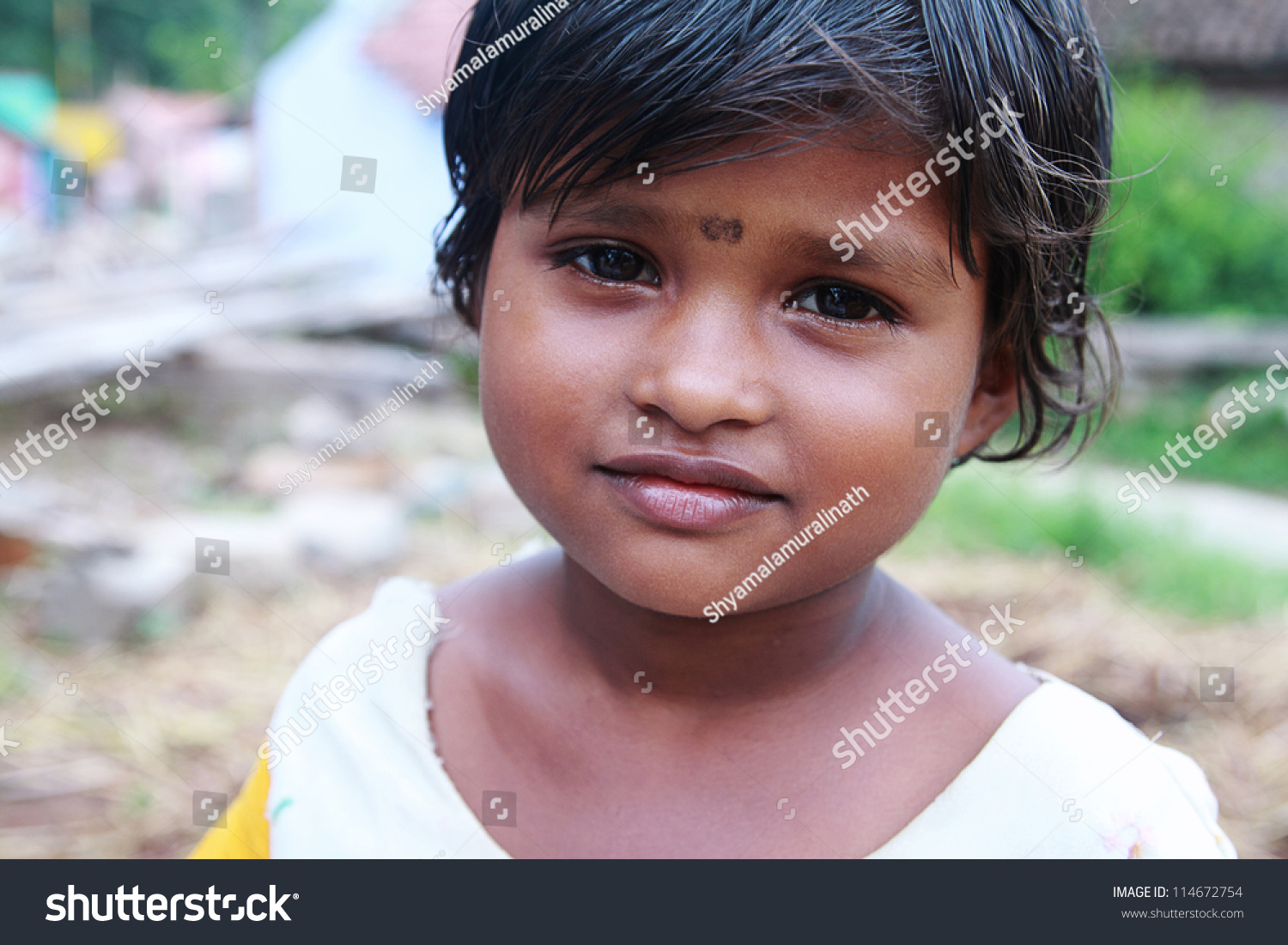 smiling indian cute little girl stock photo (download now) 114672754