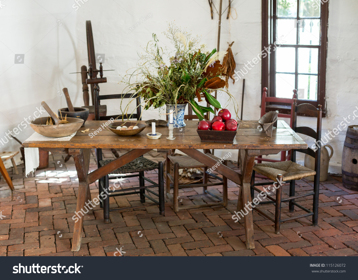 Colonial Kitchen Old Fashioned Colonial Kitchen Table Chairs Stock Photo 115126072