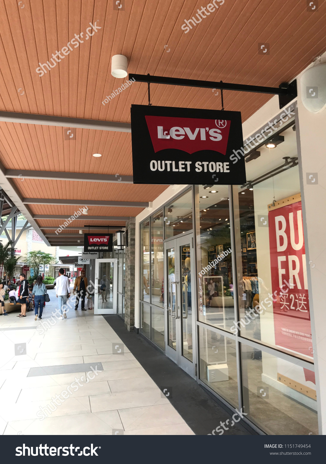 de100f131a2 GENTING HIGHLAND, MALAYSIA- JULY 20, 2018: Levi's outlet store in Genting  Highland