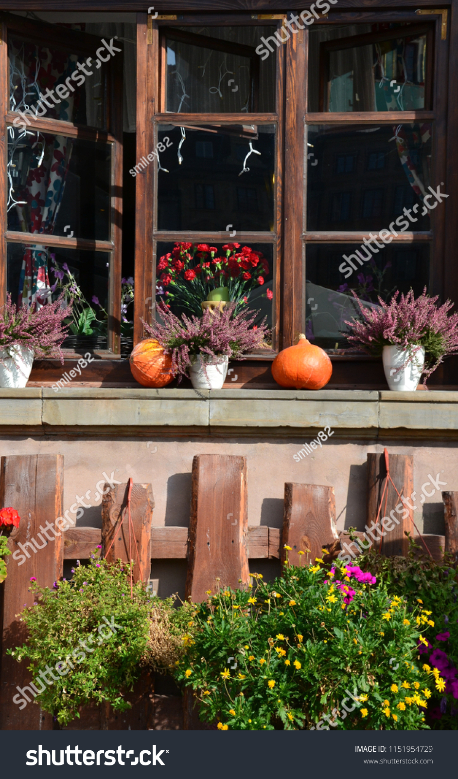 stock-photo-perfect-autumn-decoration-in