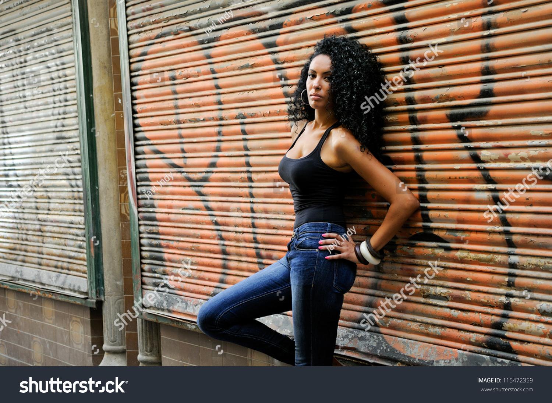 Чорні жінки відео 24 фотография