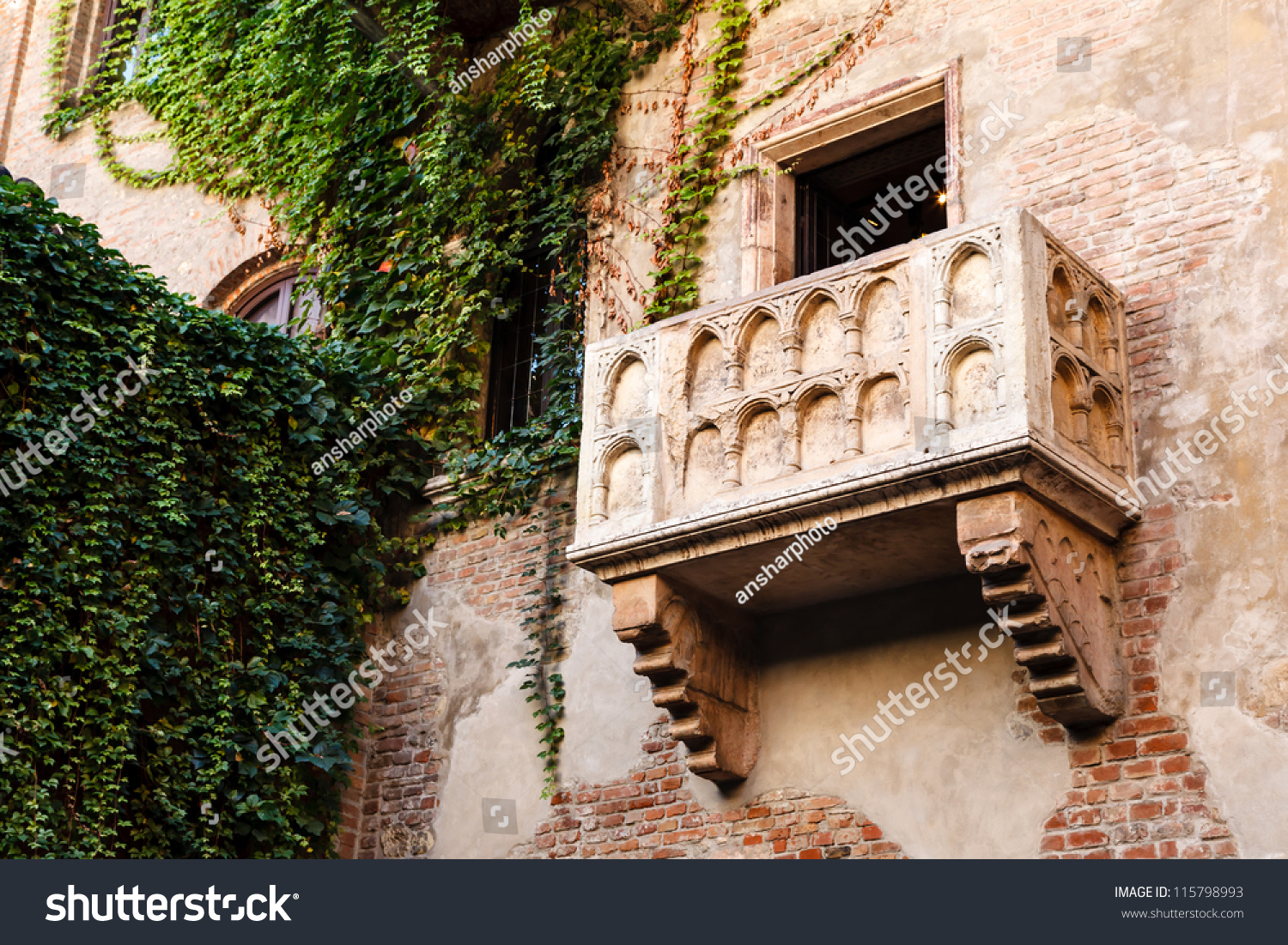 Famous balcony juliet capulet home verona stock photo for Famous balcony