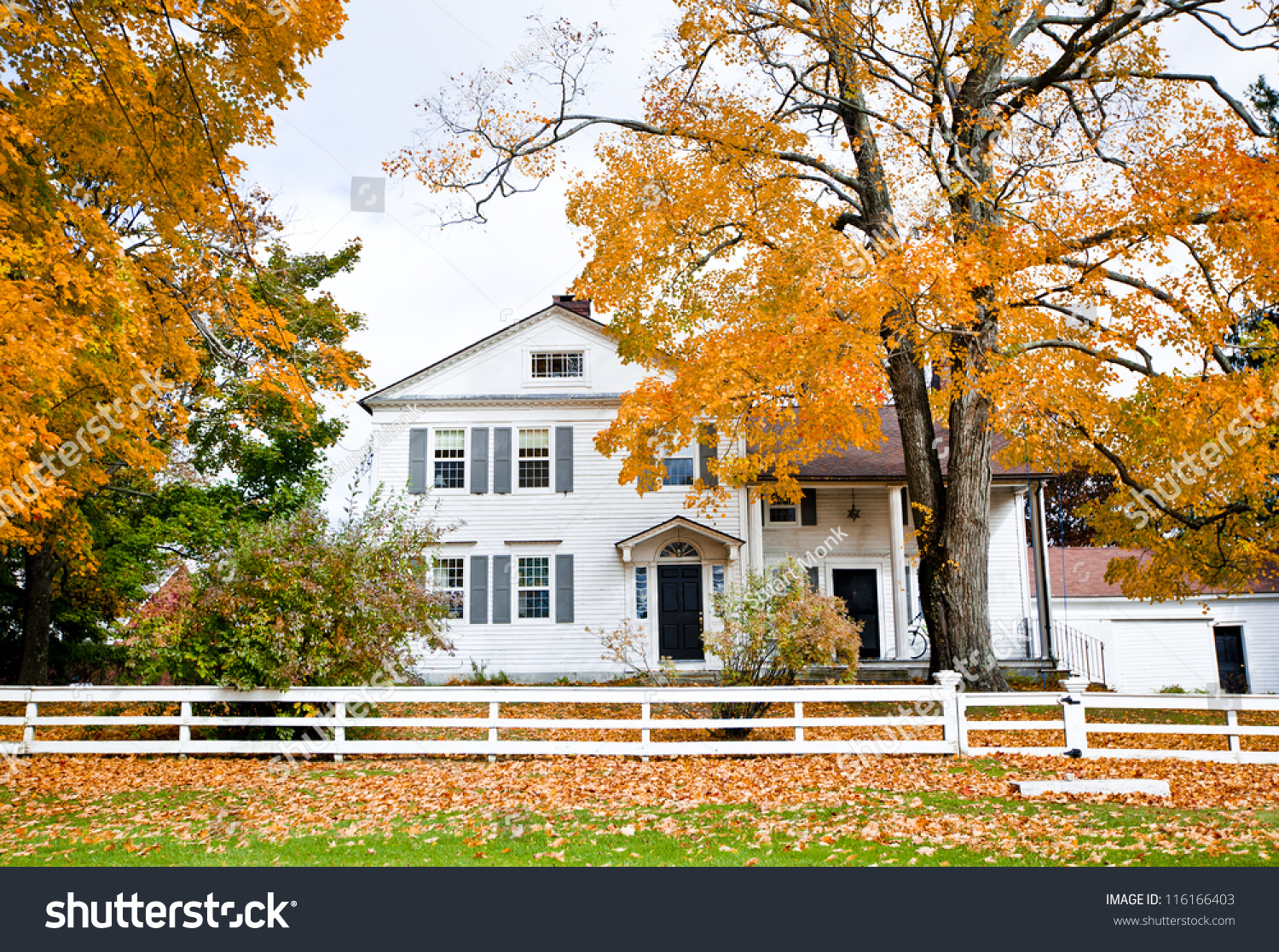 Typical new england colonial style house in the fall stock for New england colonial style