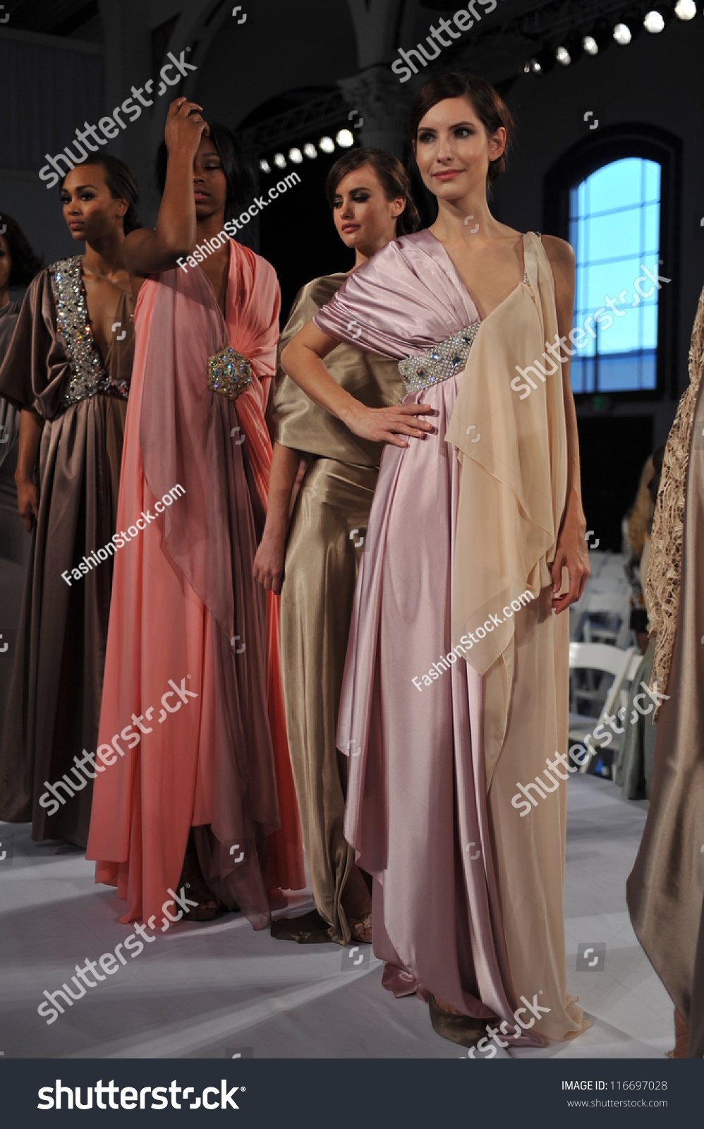 Los Angeles October 18 Models Walking Runway Finale For Fashion Show During Style Fashion