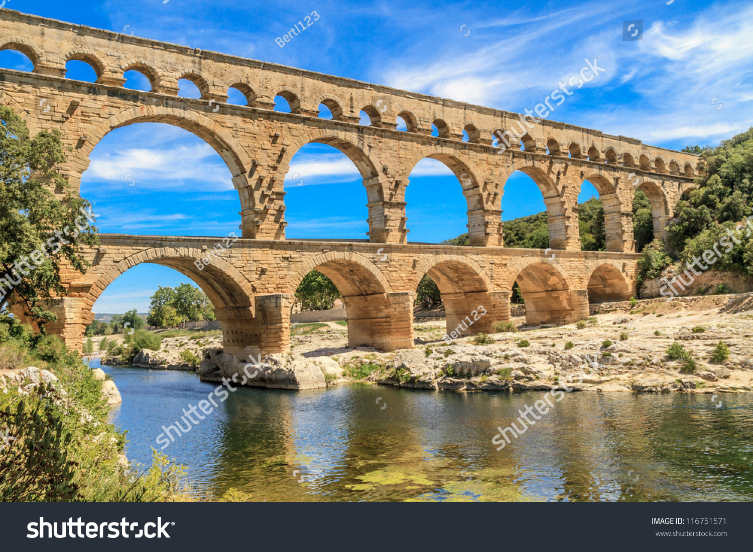 How Old Is The Aqueduct At Nimes 120