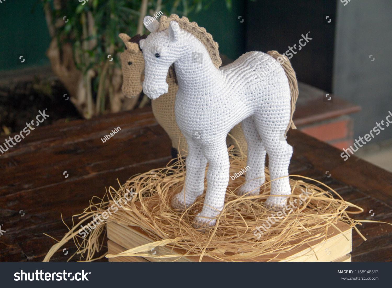 Heidi the Horse Free Amigurumi Pattern | Jess Huff | 1101x1500
