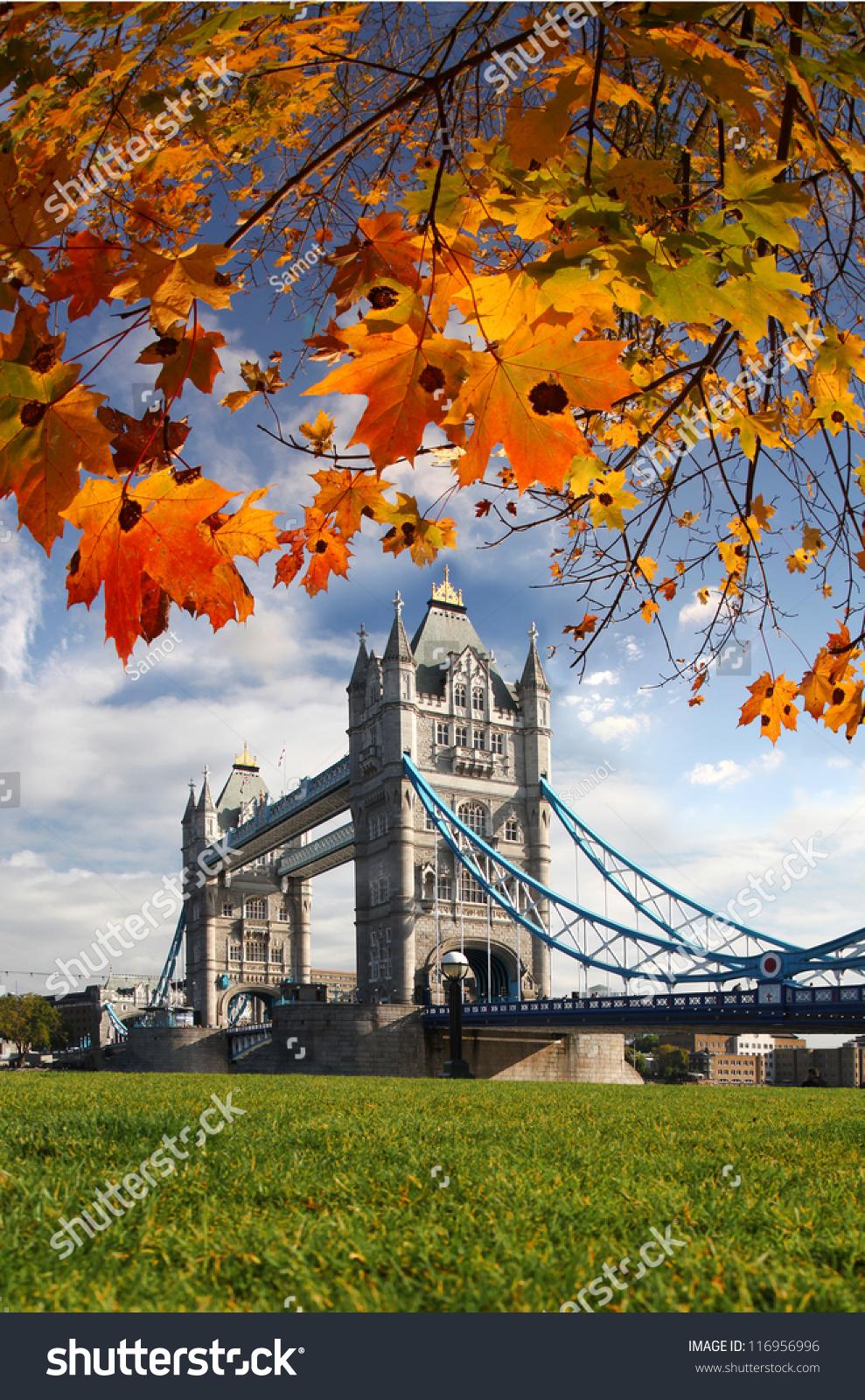 London In Autumn: Famous Tower Bridge Autumn London