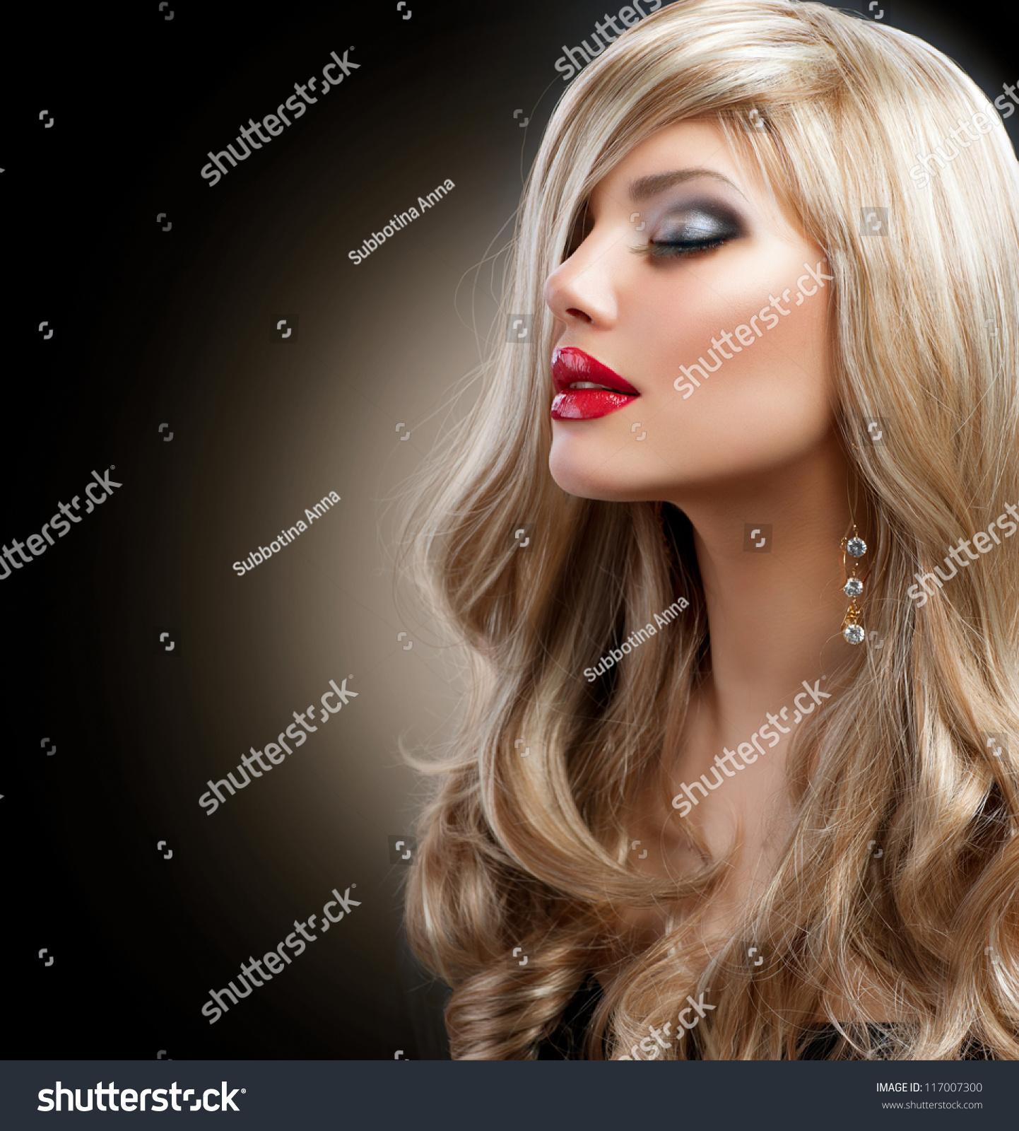 pricheski-seksi-dlya-blondinok-s-risunkami