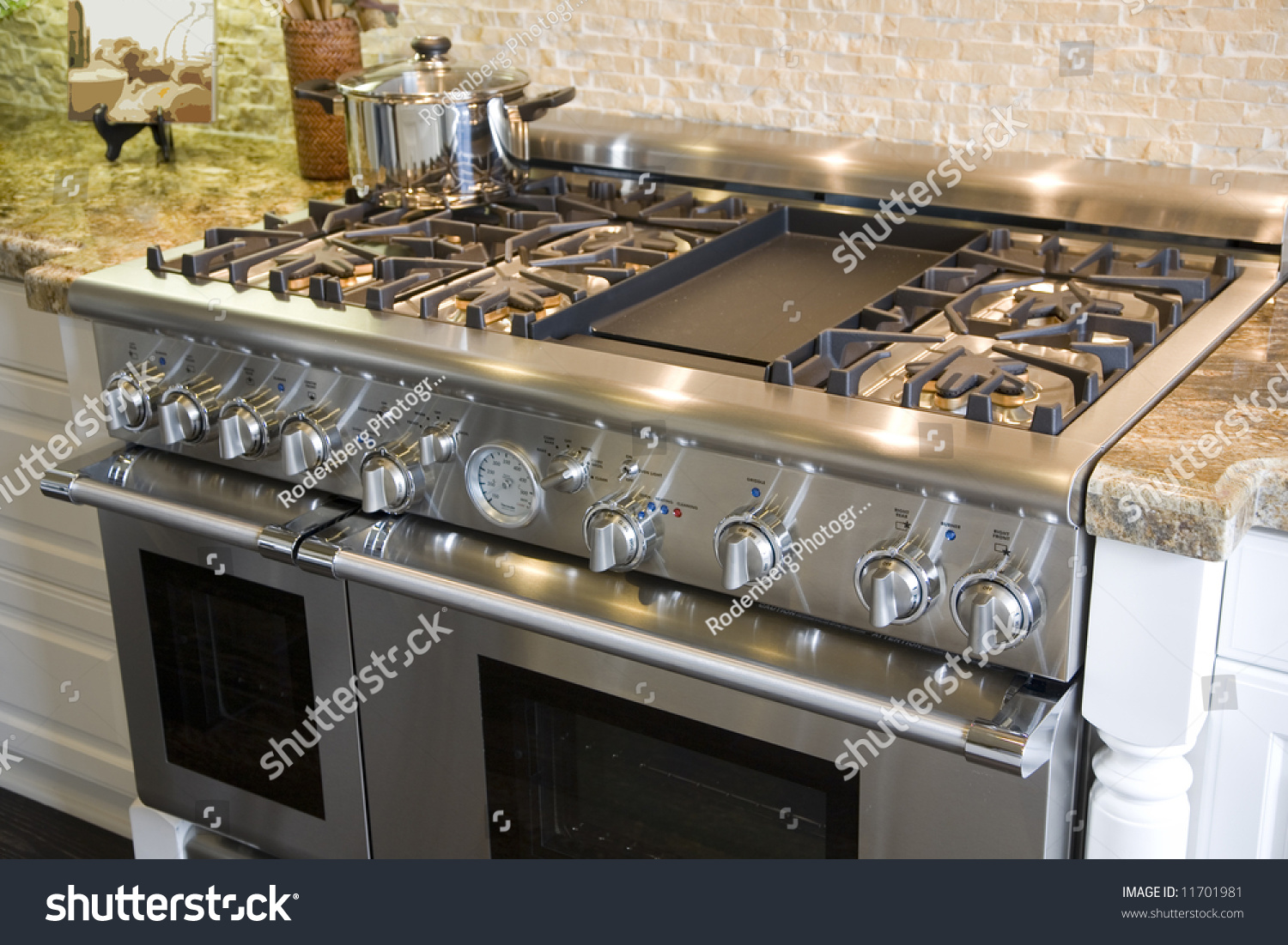 Stove And Oven In A Luxury Home Kitchen Stock Photo