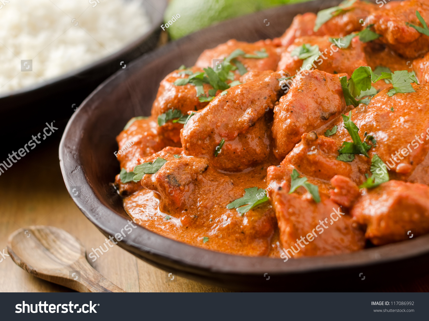 Butter Chicken Curry With Basmati Rice And Limes. 스톡 사진 ...