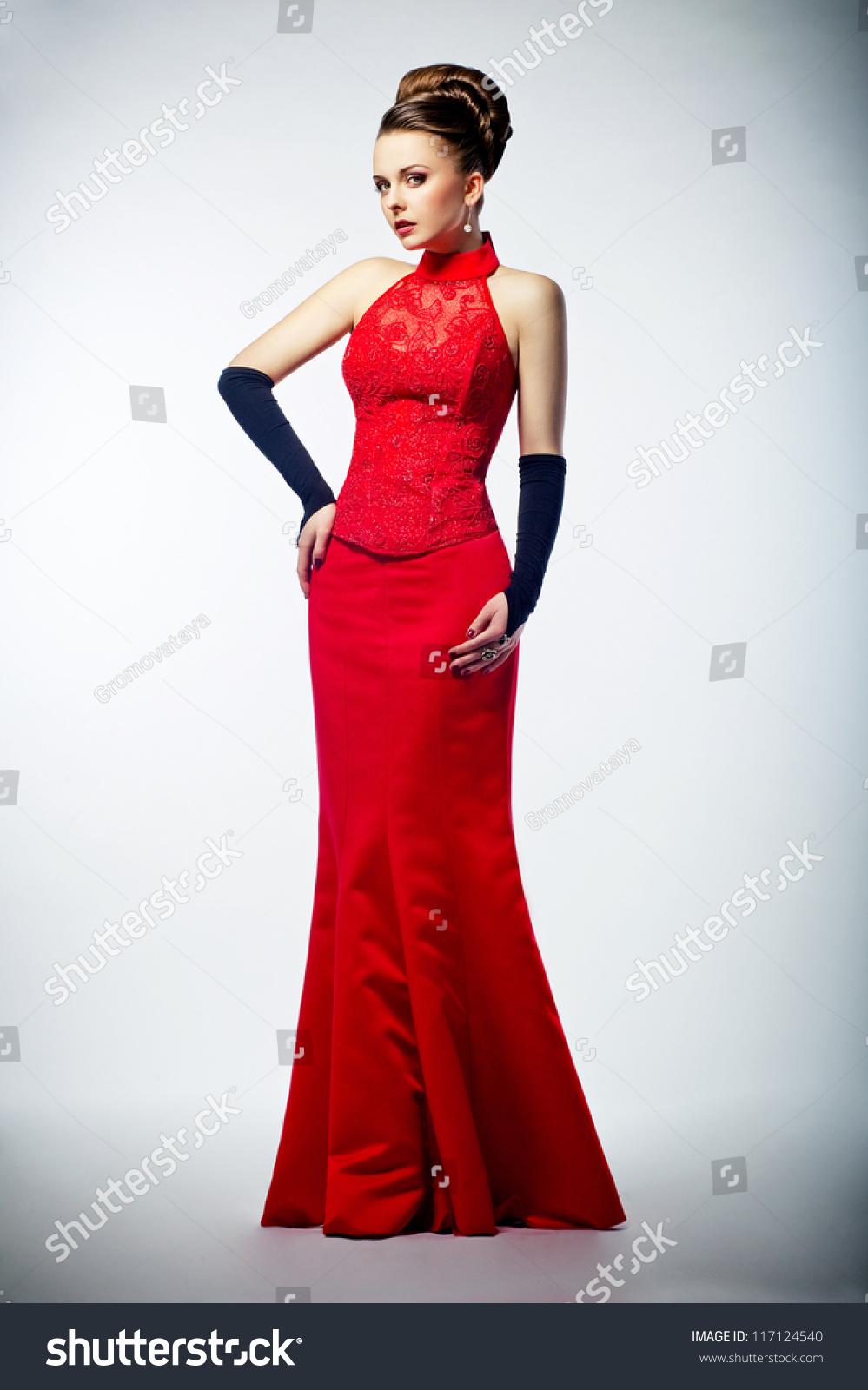 Beauty Bride Long Bridal Red Dress Stock Photo 117124540 ...