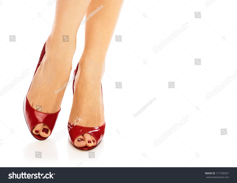 Педикюр для красных туфлей