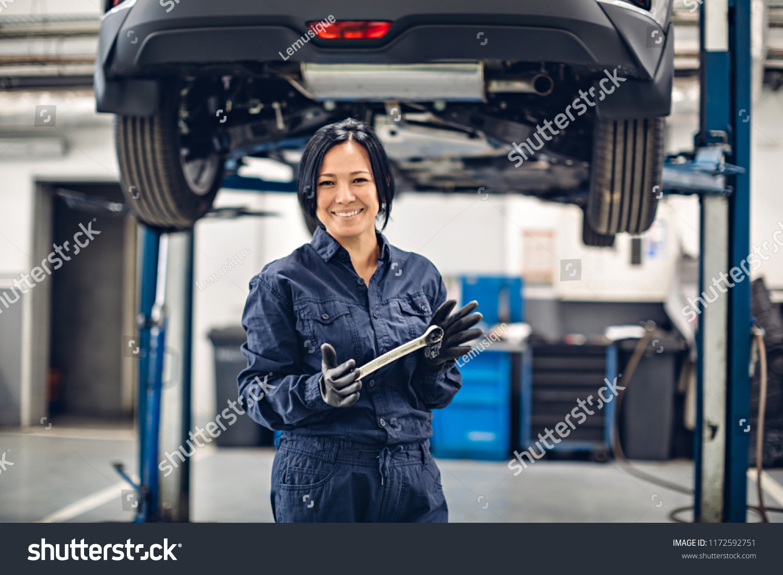 Auto Repair Services Near Me >> Auto Car Repair Service Center Happy Arkistokuva Muokkaa
